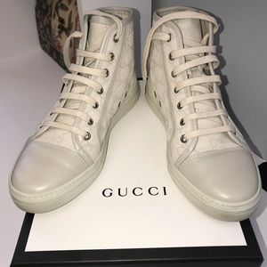 GUCCI SNEAKERS: COMES WITH BOX AND RECIPT AS WELL
